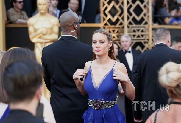 """Парад декольте на """"Оскарі-2016"""": Леді Гага, Брі Ларсон та Шарліз Терон вразили нескромними вбраннями"""