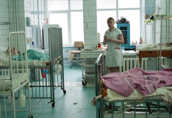 На Львівщині п'ятьох дітей госпіталізували після харчування у дитсадку