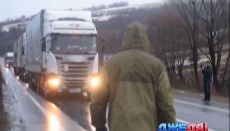 Кабмин разрешил транзит российского грузового транспорта через территорию Украины