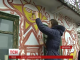 Художники у прикордонному селі Букатинка розмальовують старі хати історичними сюжетами