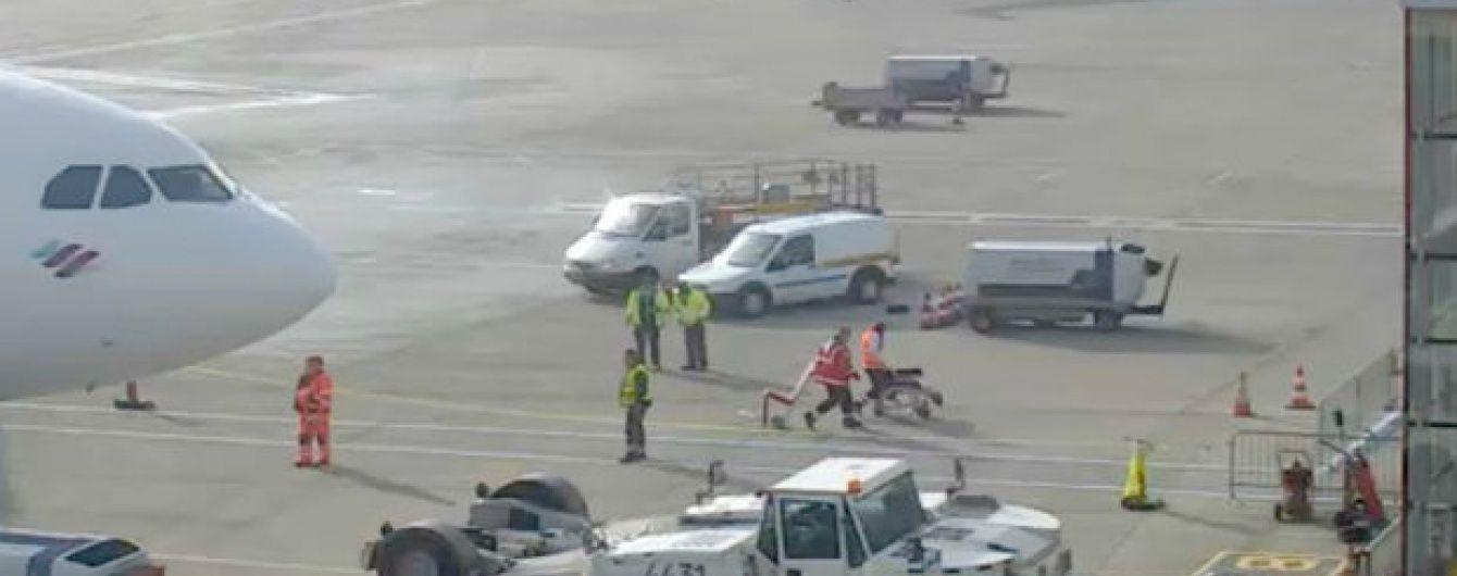 У Кельні евакуювали аеропорт через невідомих людей на злітній смузі