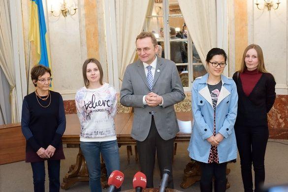 Марія Музичук та Хоу Іфань у Львові