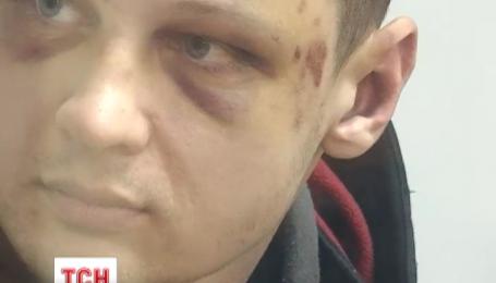 """Избитый боец """"Азова"""" таки появился в суде"""