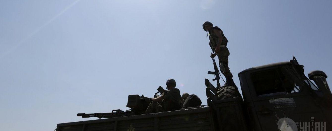 Під гранатометним обстрілом загинув один український військовий. Мапа АТО