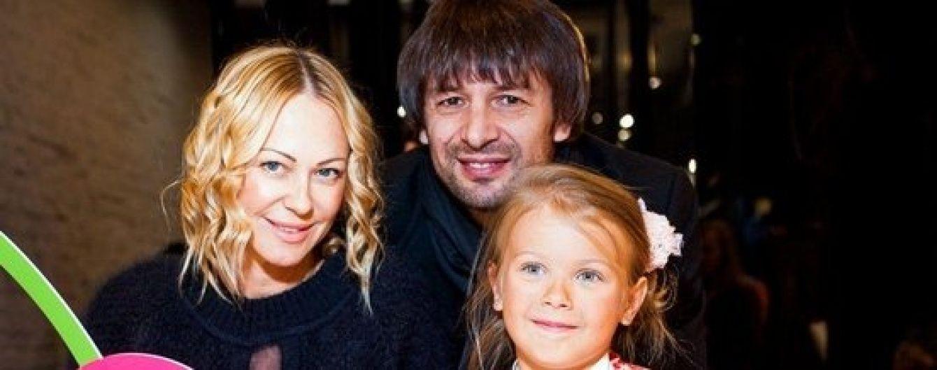 Шовковський впевнений, що його екс-дружина Альонова незаконно вивезла спільну доньку за кордон