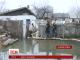 У Дніпропетровську родина пенсіонерів вже місяць живе посеред гігантської калюжі