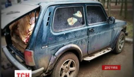 В Донецкой области полицейские разоблачили автомобиль забитый контрабандной свининой
