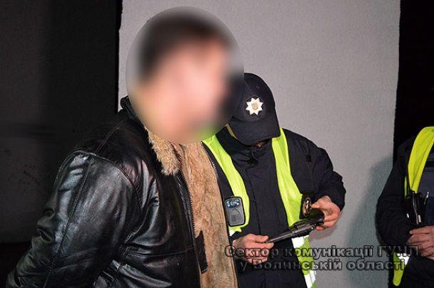 В Луцке пьяный активист устроил стрельбу посреди улицы