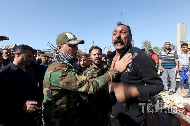 """В Іраку смертник """"ІД"""" влаштував масштабний теракт, загинули близько 60 людей"""