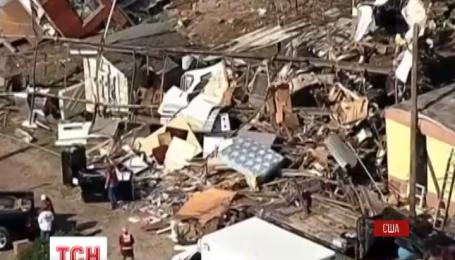 Мощное торнадо в американском Техасе снесло крышу жилого комплекса