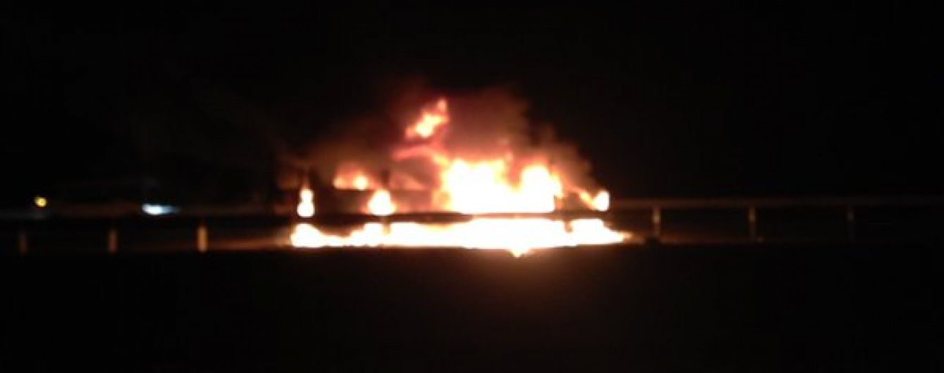 У Росії на Кавказі підпалили автомобіль з журналістами, пасажирів побили (Фото)