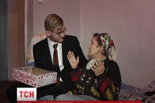 17-річний швед повернувся до України в пошуках могили матері, а знайшов живу родину