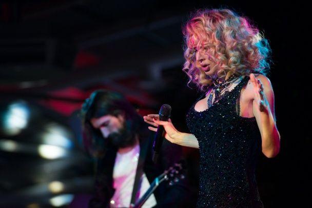 Сексуальна LOBODA вразила новим іміджем на концерті в Одесі