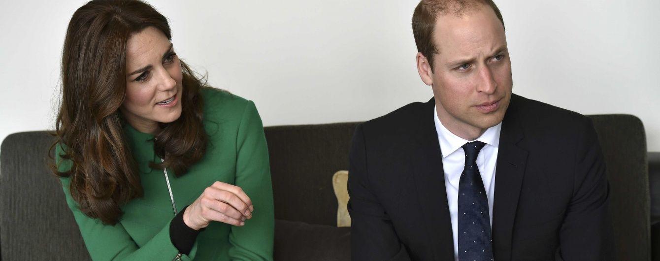 Третье явление зеленого пальто: герцогиня Кембриджская снова на работе