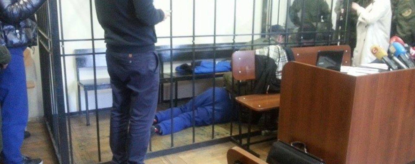 Пасинок Фірташа знепритомнів у суді