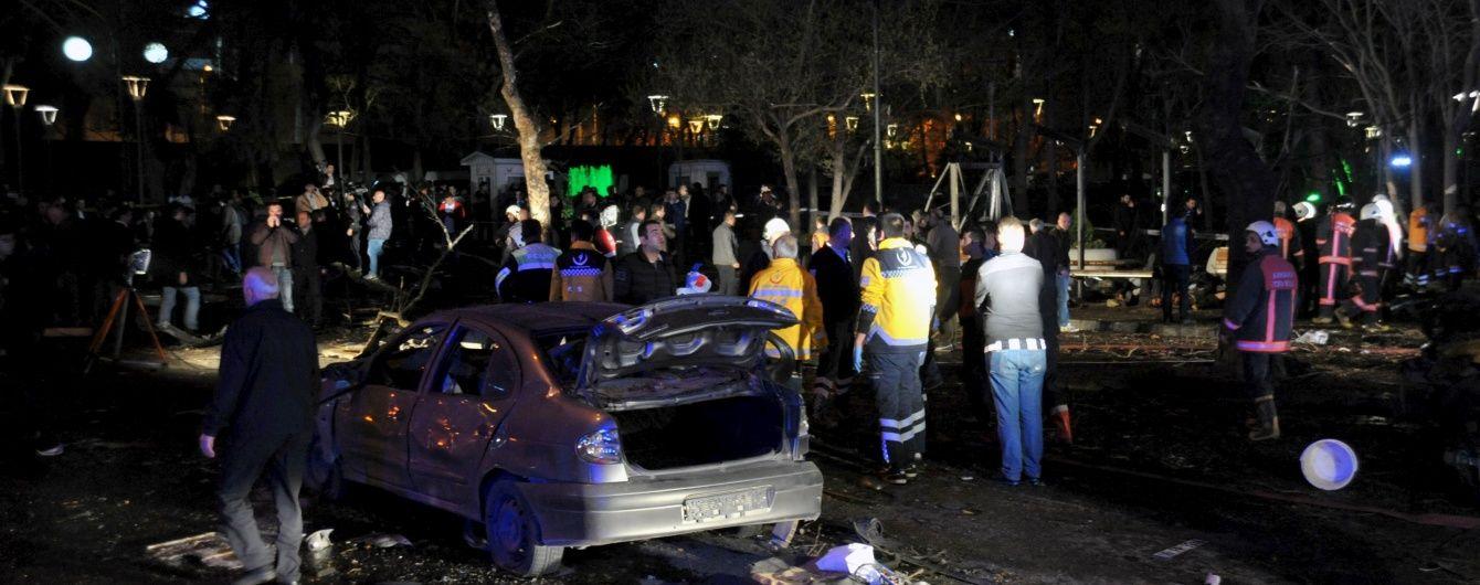 У Туреччині після кривавого вибуху в Анкарі блокують соцмережі