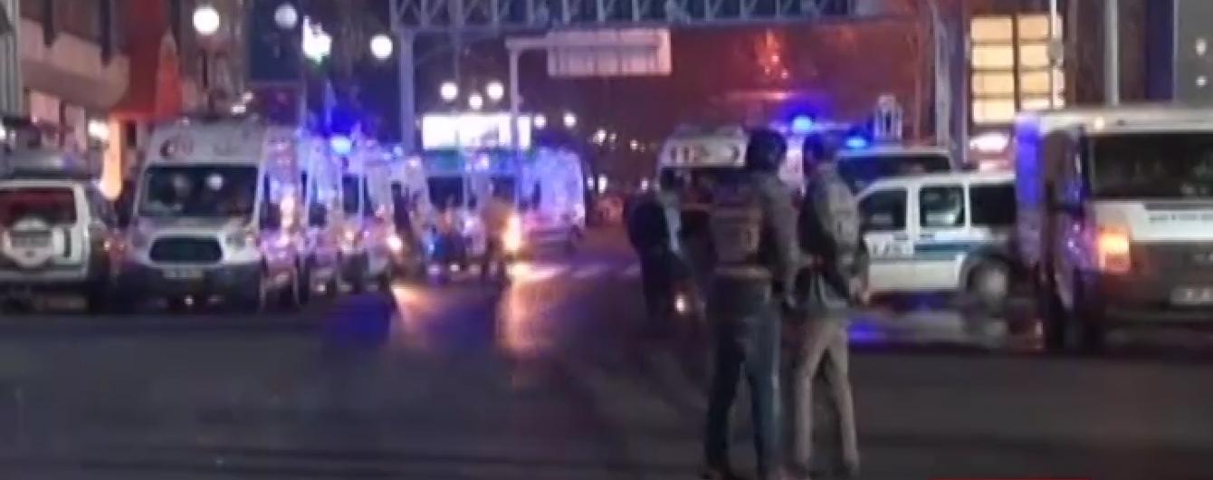 Турецький поліцейський влаштував стрілянину в Анкарі. Є загиблі