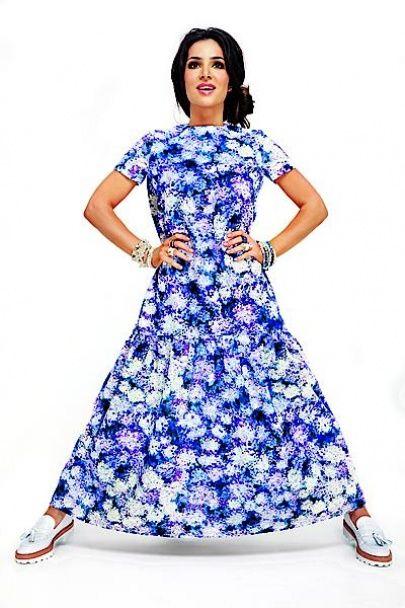 """Тендітна Злата Огнєвіч у """"квіткових"""" сукнях похизувалася стрункою фігурою"""