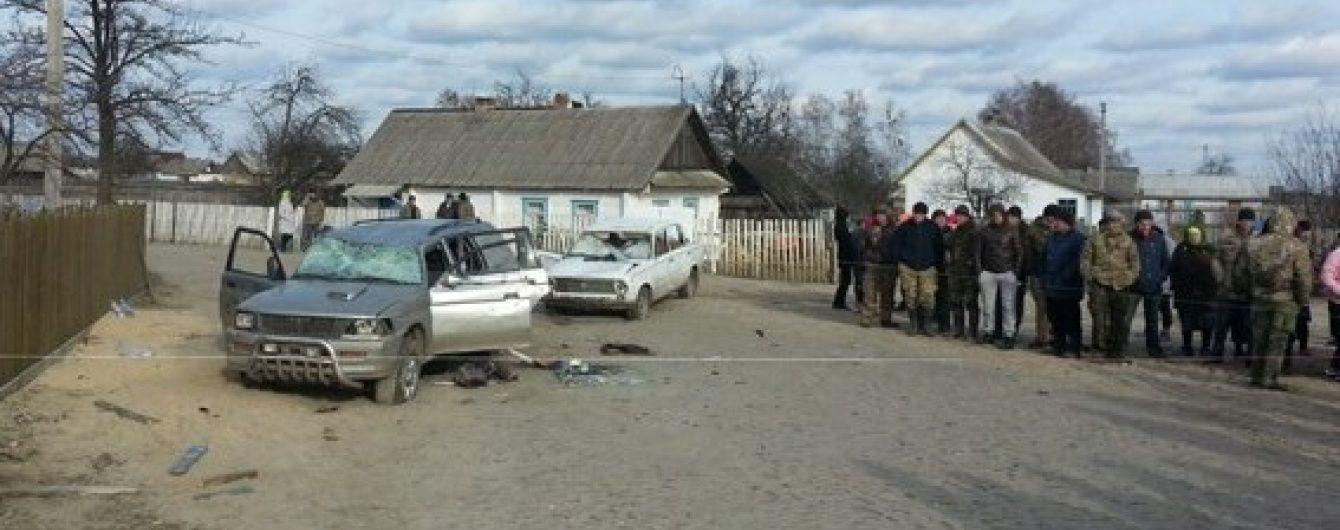 Масові безлади на Рівненщини: нападники приїхали на 15 машинах без номерів