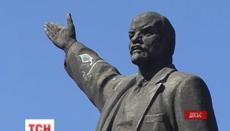 В Запорожье подготовились к демонтажу последнего большого памятника Ленину в Украине