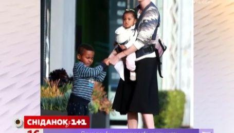 В сеть попало фото дочери Шарлиз Терон