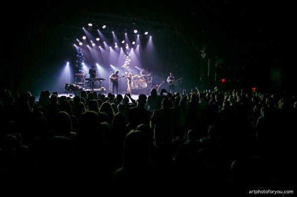 Ефектна Тіна Кароль у шикарній сукні дала концерт у Нью-Йорку
