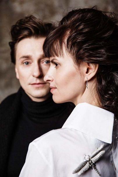 Безруков із новою коханою знялися у танцювальній фотосесії для відомого глянцю