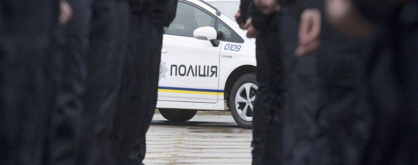 """Підполковника поліції затримали за """"кришування"""" газовидобувного підприємства"""