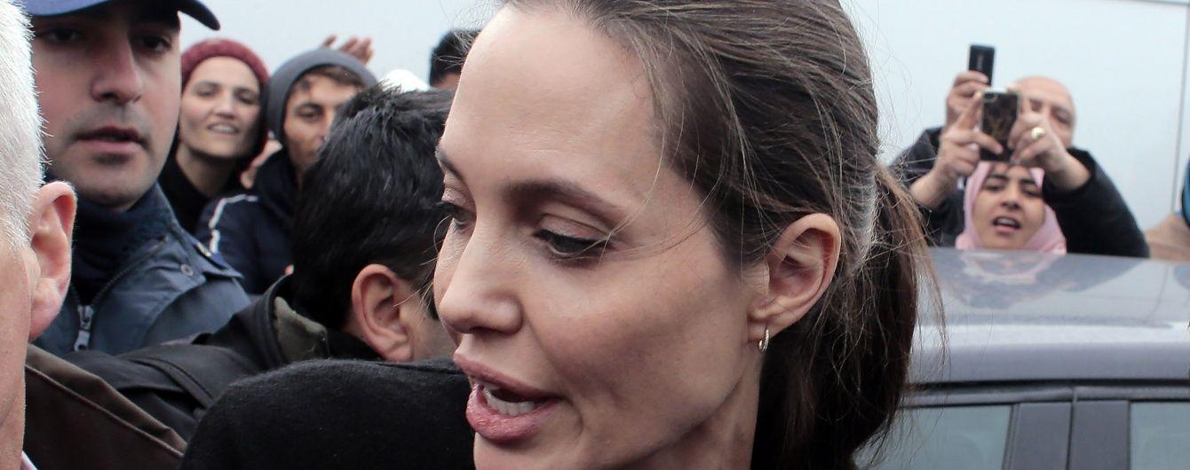 Анджеліна Джолі змінює професію
