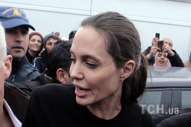 Анджеліна Джолі зустрілася із сирійськими біженцями