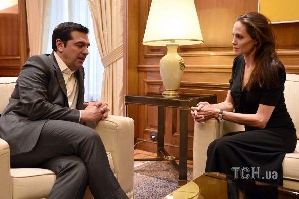 Анджеліна Джолі у Греції_1