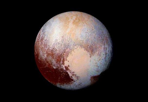 """NASA показало знімок """"затонулого"""" серця Плутона"""