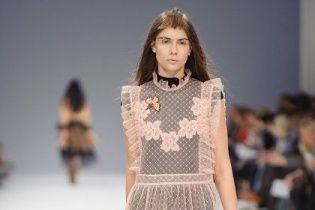 UFW: полупрозрачные платья и сапоги-казаки в новой коллекции Лилии Пустовит