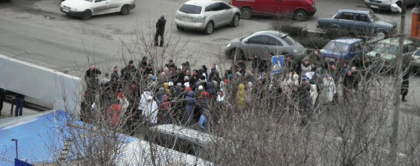 """Працівники """"Полтавафарм"""" перекрили трасу міжнародного значення"""