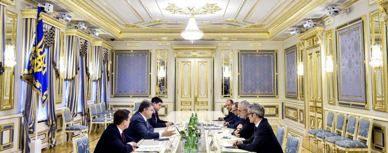649 млн доларів гуманітарної допомоги надійшло за час агресії РФ - Порошенко
