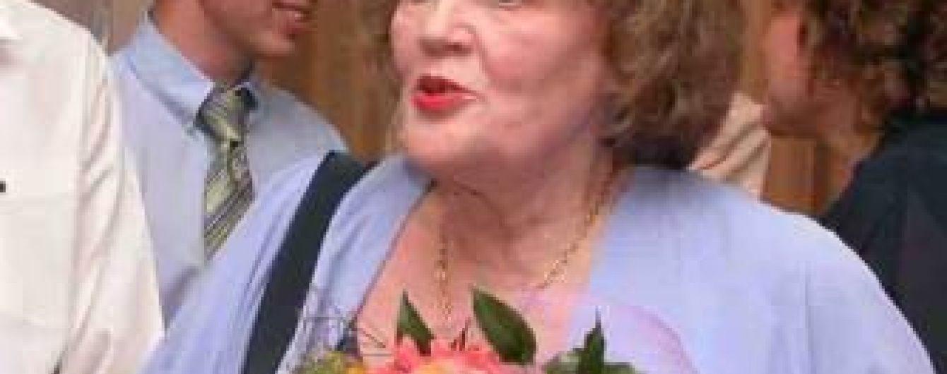 Порошенко привітав Костенко із днем народження