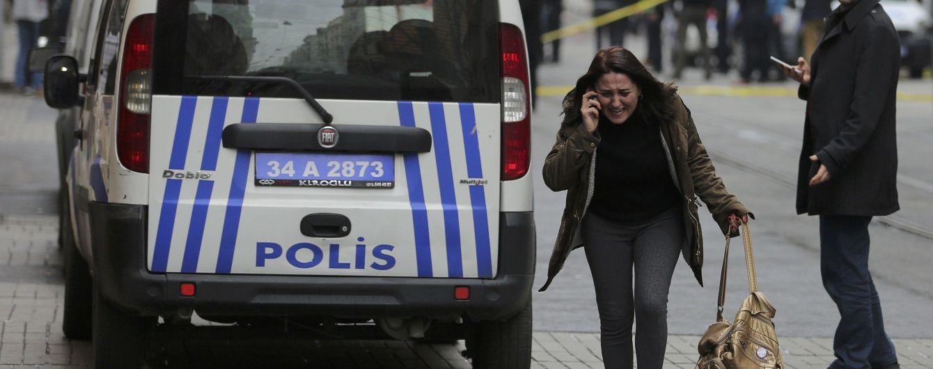 Жители Стамбула массово получают SMS с угрозами еще более кровавых терактов в воскресенье