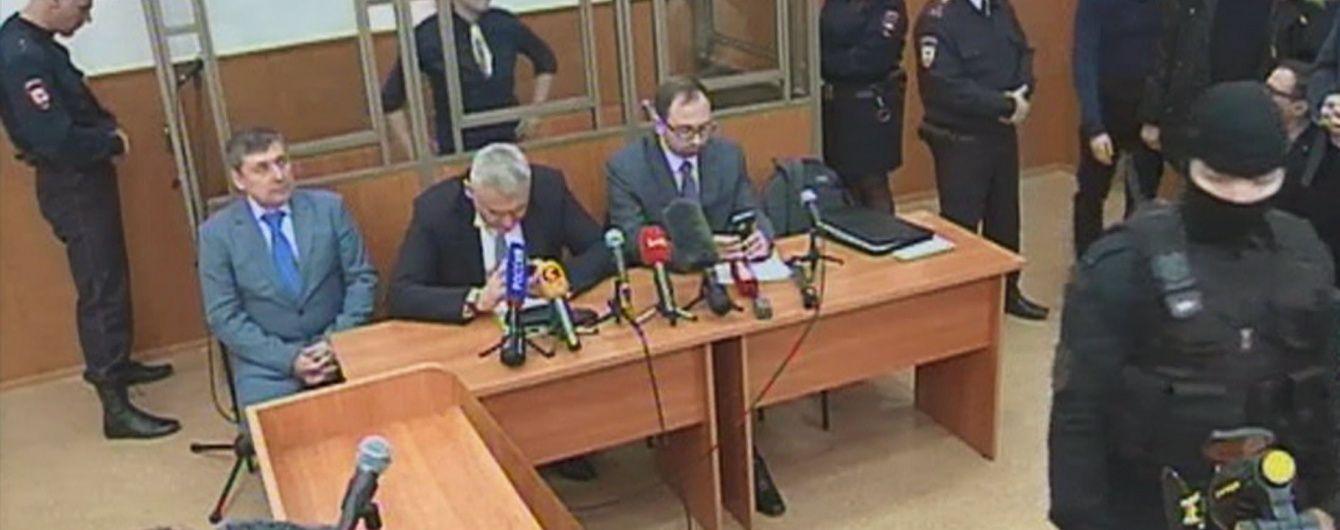 На оголошення вироку Савченко не пустили речника Порошенка, нардепів та консулів