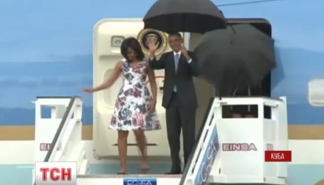 Барак Обама прилетел на Кубу с официальным визитом
