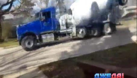 В Миннесоте мальчик угнал со стройплощадки бетоносмеситель