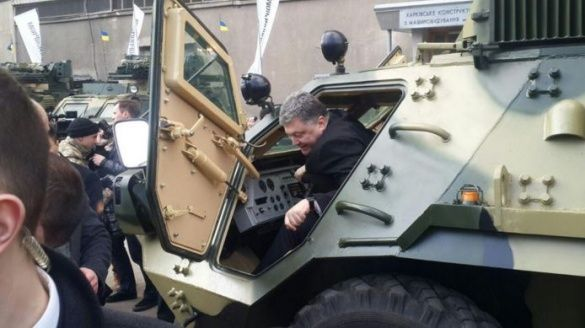 Петро Порошенко та БТР