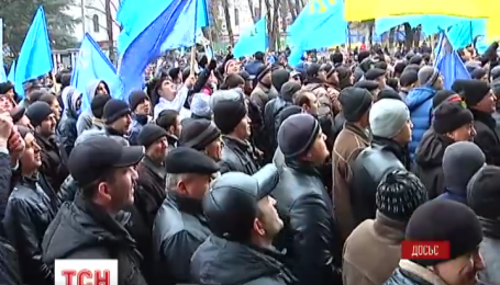 Сегодня продолжается суд над Ахтемом Чийгозом и еще двумя крымско-татарскими активистами