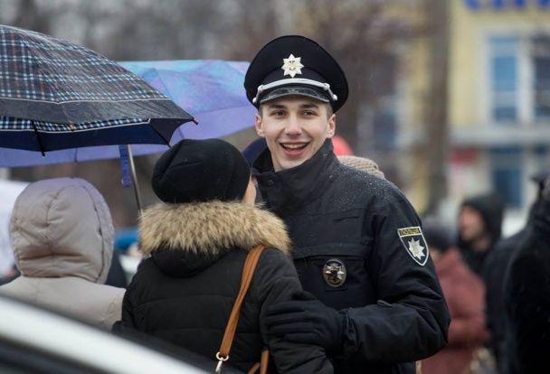 """Бориспільських патрульних очолила полісвумен, що """"засвітилася"""" у сварці з відомим журналістом"""