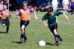 В Англії матч між дитячими командами завершився масовою бійкою батьків
