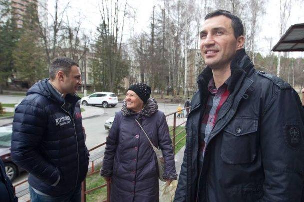 Журналіст розповіла, в якому куточку Києва брати Клички подарували квартиру сестрі Стуса