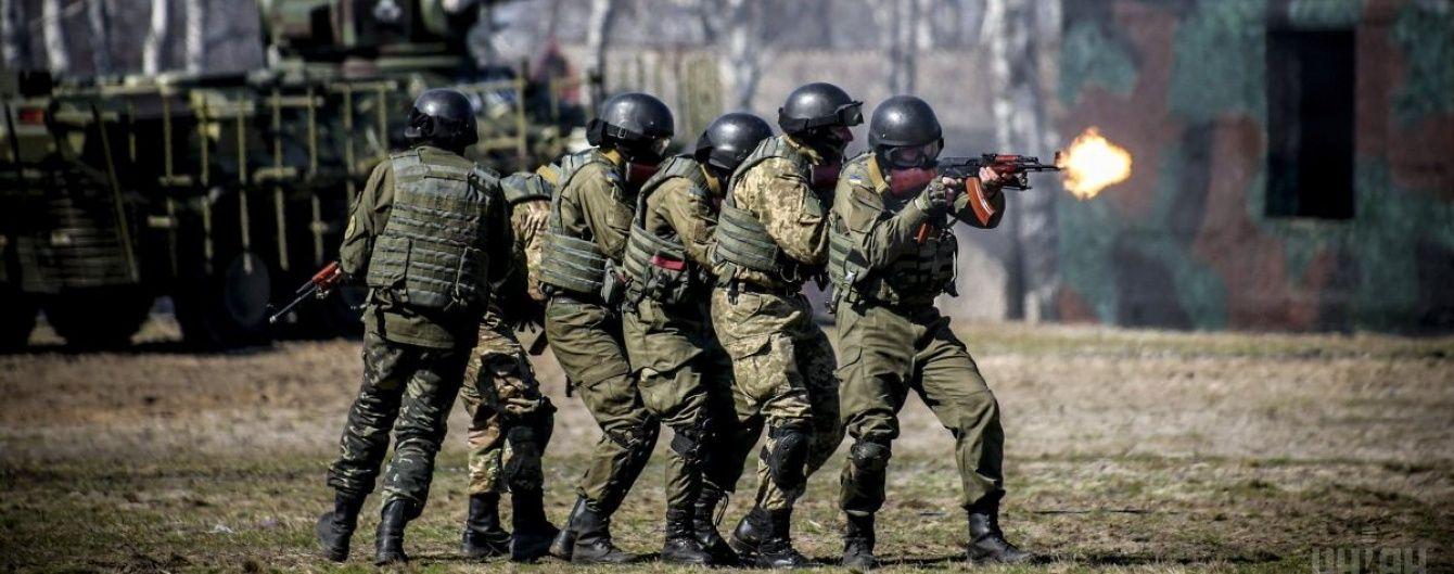 У Міноборони спрогнозували, скільки військових щомісяця йтимуть на контрактну службу до ЗСУ