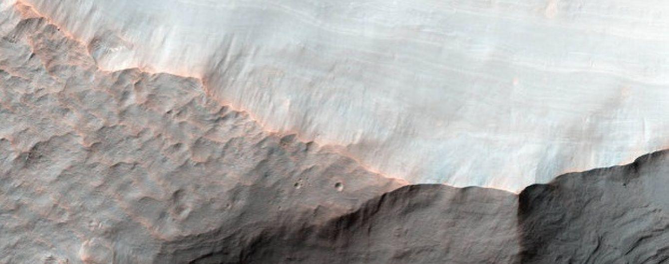 Станція MRO зробила вражаючий знімок гирла засохлої річки на Марсі