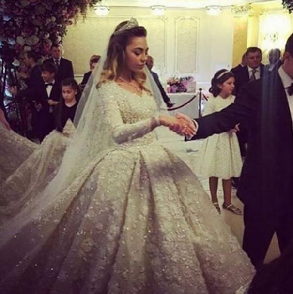 Мировые звезды и 25-килограммовое платье. Как в Москве отгуляли свадьбу сына известного олигарха
