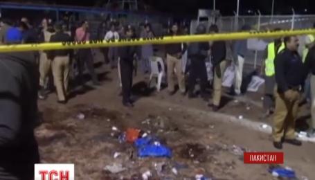 У Пакистані зросла кількість жертв недільного вибуху