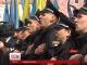 Присяга поліцейських у Чернівцях закінчилися романтичним освідченням
